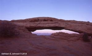 Sunrise_Arch_at_Sunset_Utah