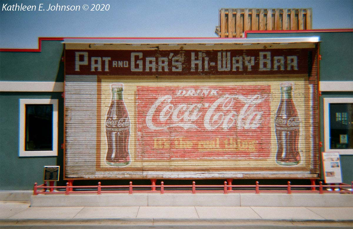 June_Lomo800_Coke_Sign2